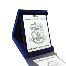 3. Insigne, medalii, plachte si obiecte promotionale